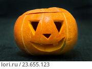 Купить «Вырезанная тыква на Хэллоуин», фото № 23655123, снято 18 сентября 2016 г. (c) Наталья Любина / Фотобанк Лори