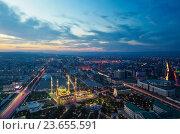 Грозный. Ночной вид со смотровой площадки на Центральную мечеть Сердце Чечни имени Ахмата Кадырова (2016 год). Редакционное фото, фотограф Литвяк Игорь / Фотобанк Лори