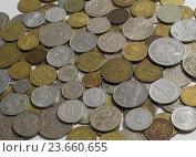Монеты разных стран. Стоковое фото, фотограф Ольга Летто / Фотобанк Лори