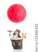 Купить «child on hot air balloon watching through spyglass», фото № 23666623, снято 2 мая 2014 г. (c) Оксана Кузьмина / Фотобанк Лори