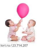 Купить «kids girls play red ballon isolated on white», фото № 23714207, снято 8 февраля 2013 г. (c) Оксана Кузьмина / Фотобанк Лори