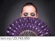 Beautiful woman with fan in fashion concept. Стоковое фото, фотограф Elnur / Фотобанк Лори