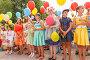 Нарядные дети с воздушными шариками на на фестивале цветов. Самара, фото № 23813063, снято 30 июля 2016 г. (c) Акиньшин Владимир / Фотобанк Лори