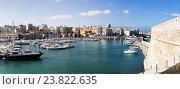 Купить «Вид на порт и город (Крит, город Ираклион, Греция)», фото № 23822635, снято 29 сентября 2016 г. (c) Татьяна Ляпи / Фотобанк Лори