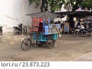 Купить «Вьетнам. У рынка», фото № 23873223, снято 26 июня 2014 г. (c) Рашит Загидуллин / Фотобанк Лори