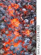 Купить «Вертикальный фон из тлеющих углей», фото № 23874083, снято 25 июля 2015 г. (c) Наталья Гармашева / Фотобанк Лори