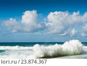 Сильные волны. Атлантический океан. Португалия (2016 год). Стоковое фото, фотограф E. O. / Фотобанк Лори