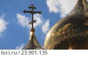 Церковь и небо с облаками. Стоковое видео, видеограф Юрий Пономарёв / Фотобанк Лори
