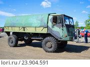 Купить «Военный финский многоцелевой грузовик Sisu A45 на параде ретро транспорта. Керимяки, Финляндия», фото № 23904591, снято 6 июня 2014 г. (c) Виктор Карасев / Фотобанк Лори