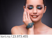 Beautiful woman with jewellery in beauty concept. Стоковое фото, фотограф Elnur / Фотобанк Лори