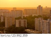 Спальный район на закате, Кунцево, Москва, Россия (2013 год). Стоковое фото, фотограф AK Imaging / Фотобанк Лори