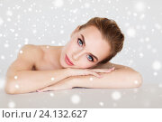 Купить «beautiful young woman face and hands over snow», фото № 24132627, снято 14 апреля 2016 г. (c) Syda Productions / Фотобанк Лори