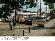 Leer, Germany, fishing boat in the commercial port of Leer (2014 год). Редакционное фото, агентство Caro Photoagency / Фотобанк Лори