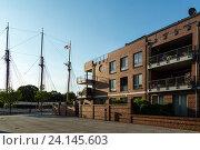 Leer, Germany, chic apartment houses on the Leda (2014 год). Редакционное фото, агентство Caro Photoagency / Фотобанк Лори