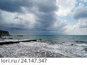 Купить «Черное море, шторм,  волны заливают пляж», эксклюзивное фото № 24147347, снято 26 сентября 2016 г. (c) Dmitry29 / Фотобанк Лори