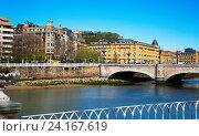 Купить «Santa Catalina bridge over Urumea river in Sant Sebastian», фото № 24167619, снято 21 апреля 2016 г. (c) Яков Филимонов / Фотобанк Лори