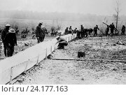 Купить «Europe: Ocotober 9, 1918 British Tommies erecting a canvas watering trough for the use of the cavalry. Water services to the front were critical, and the...», фото № 24177163, снято 25 октября 2016 г. (c) age Fotostock / Фотобанк Лори