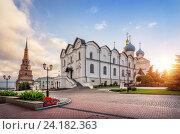 Купить «Солнце встает в казанском кремле», фото № 24182363, снято 22 июля 2015 г. (c) Baturina Yuliya / Фотобанк Лори