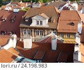 Купить «Прага. Вид на красные черепичные крыши домов от стен Пражского града», фото № 24198983, снято 2 мая 2016 г. (c) Наталия Журавлёва / Фотобанк Лори
