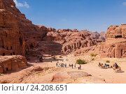 Panorama of Petra in Jordan - ancient city, capital of the Edomites , and later the capital of the Nabataean Kingdom., tourist attraction. Jordan (2016 год). Стоковое фото, фотограф Наталья Волкова / Фотобанк Лори