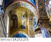 Купить «Апостолы Петр и Андрей. Византийская мозаика церкви Santa Maria dell Ammiraglio (Martorana). Палермо, Сицилия, Италия.», фото № 24212215, снято 7 июля 2016 г. (c) Николай Коржов / Фотобанк Лори