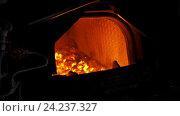 Печь паровоза. Стоковое видео, видеограф Vladimir Botkin / Фотобанк Лори