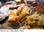 Купить «Cookies, cakes and other confectionary in cafe», фото № 24263343, снято 24 октября 2018 г. (c) Яков Филимонов / Фотобанк Лори