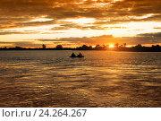 Купить «Закат на реке», фото № 24264267, снято 22 августа 2015 г. (c) Валерий Тырин / Фотобанк Лори