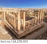 Храм Зевса в древнем Римский городе Гераса, вид сверху, теперь Джераш, Иордания (2016 год). Стоковое фото, фотограф Наталья Волкова / Фотобанк Лори