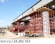 Строительство эстакады из металлоконструкций. Стоковое фото, фотограф Артем Силионов / Фотобанк Лори