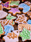 Christmas background multicolored gingerbread cookies and cinnamon sticks., фото № 24301339, снято 30 ноября 2016 г. (c) Gennadiy Poznyakov / Фотобанк Лори