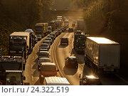 Купить «Traffic jam on the A 52 / B224, bottleneck to the highway A 2 in Gladbeck, Gladbeck, Ruhr area, North Rhine-Westphalia, Germany», фото № 24322519, снято 23 апреля 2018 г. (c) mauritius images / Фотобанк Лори