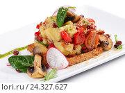 Салат с запеченными баклажанами и перцем. Стоковое фото, фотограф Воронина Светлана / Фотобанк Лори