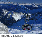 Купить «Bavarian Zugspitze trajectory, glacier trajectory to the Zugspitze Low German, Zugspitzes, mountains, mountain landscape, cable car, winter, snow, transport...», фото № 24328051, снято 28 ноября 2001 г. (c) mauritius images / Фотобанк Лори