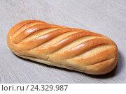 Батон белого хлеба. Стоковое фото, фотограф Яна Королёва / Фотобанк Лори