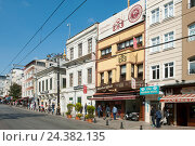 Купить «Today Turkey, Istanbul, Sultanahmet, Divanyolu, the street of the big council is a shopping street and promenade.», фото № 24382135, снято 21 августа 2018 г. (c) mauritius images / Фотобанк Лори