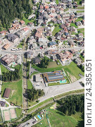 Купить «Canazei, Val di Fassa, the Dolomites, mountain village, cable car, Italy, scenery, aerial picture», фото № 24385051, снято 23 июля 2018 г. (c) mauritius images / Фотобанк Лори