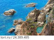 Купить «Summer sea rocky coast view (Spain).», фото № 24389495, снято 31 мая 2016 г. (c) Юрий Брыкайло / Фотобанк Лори