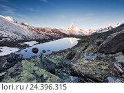 Купить «Switzerland, Zermatt, Matterhorn, Stellisee (lake), Pennine Alps,», фото № 24396315, снято 14 декабря 2018 г. (c) mauritius images / Фотобанк Лори