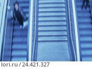Купить «Escalators, passers-by, blur inside, escalators, stairs, electronically, upward, down, promotion, people, transportation human beings, woman, motion blur», фото № 24421327, снято 27 февраля 2002 г. (c) mauritius images / Фотобанк Лори