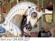 Купить «Fair, carousel, wooden horse, nostalgically, detail,», фото № 24439227, снято 20 мая 2019 г. (c) mauritius images / Фотобанк Лори
