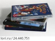 Купить «Films, DVDs ONLY EDITORIALLY! Film, media, entertainment, features, DVD, digitally versatile disc, TV, feature, animated cartoon, mass media, consumer...», фото № 24440751, снято 5 ноября 2003 г. (c) mauritius images / Фотобанк Лори