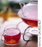 Купить «Warmers, teapot, teacup, fruit tea, Still life, product photography, tea, drink, cup, infusion, drink, rose hip tea, rose hip, tea, Stovchen, pot», фото № 24453427, снято 24 октября 2005 г. (c) mauritius images / Фотобанк Лори