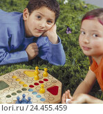 "Купить «Meadow, children, board game, ""person more badly, you not"", portrait, studio, children, friends, friendship, girl, boy, 6 years, leisure time, childhood...», фото № 24455459, снято 12 декабря 2005 г. (c) mauritius images / Фотобанк Лори"
