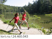Купить «Forest way, lakeside, couple, sportily, Nordic Walking, leisure time, hobby, run, go, run technology, rest, equaliser, bold burn, sport, sportily, sportsman...», фото № 24460043, снято 20 сентября 2004 г. (c) mauritius images / Фотобанк Лори