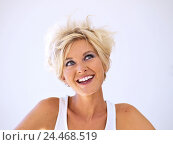 Купить «Woman, young, blond, happy, side glance, portrait, short-haired, hairstyle, strubbelig, blue eyes, made up, make-up, top, summery, mood, positively, happy...», фото № 24468519, снято 12 января 2006 г. (c) mauritius images / Фотобанк Лори