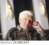 Купить «Senior, seriously, portrait, man's portrait, man, pensioner, old, old person, 70-80 years, grandpa, widower, grey-haired, only, loneliness, sadness, senior citizen's home», фото № 24488647, снято 17 ноября 2005 г. (c) mauritius images / Фотобанк Лори