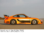 Купить «Porsche, Gemballa Avalanche GTR 750, orange, page on the right, no property release,», фото № 24529715, снято 15 октября 2008 г. (c) mauritius images / Фотобанк Лори