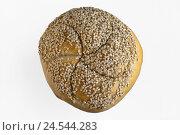 Купить «Sesame bun, sesame bread roll, bread roll, bun, sesame centre punch, sesame semen, roll, roll, cut out,», фото № 24544283, снято 20 октября 2010 г. (c) mauritius images / Фотобанк Лори