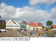 Купить «Germany, Schleswig - Holstein, north frieze country, Husum, inland harbour,», фото № 24555827, снято 29 сентября 2009 г. (c) mauritius images / Фотобанк Лори